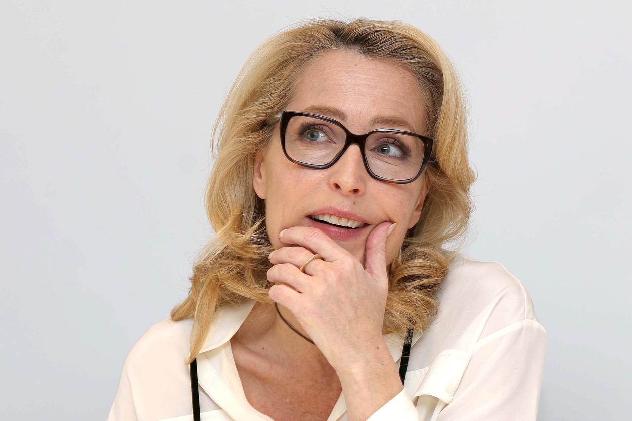 Gillian Anderson A korona sorozatban