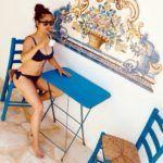 SAlma Hayek bikiniben