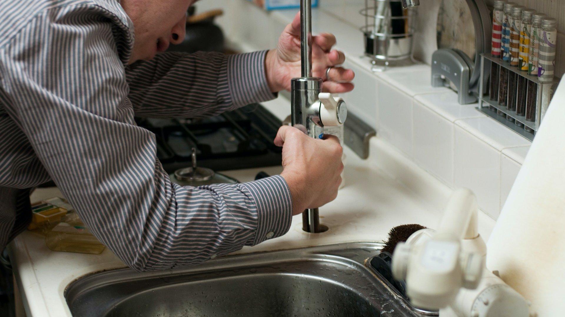 Vízvezeték-szerelő