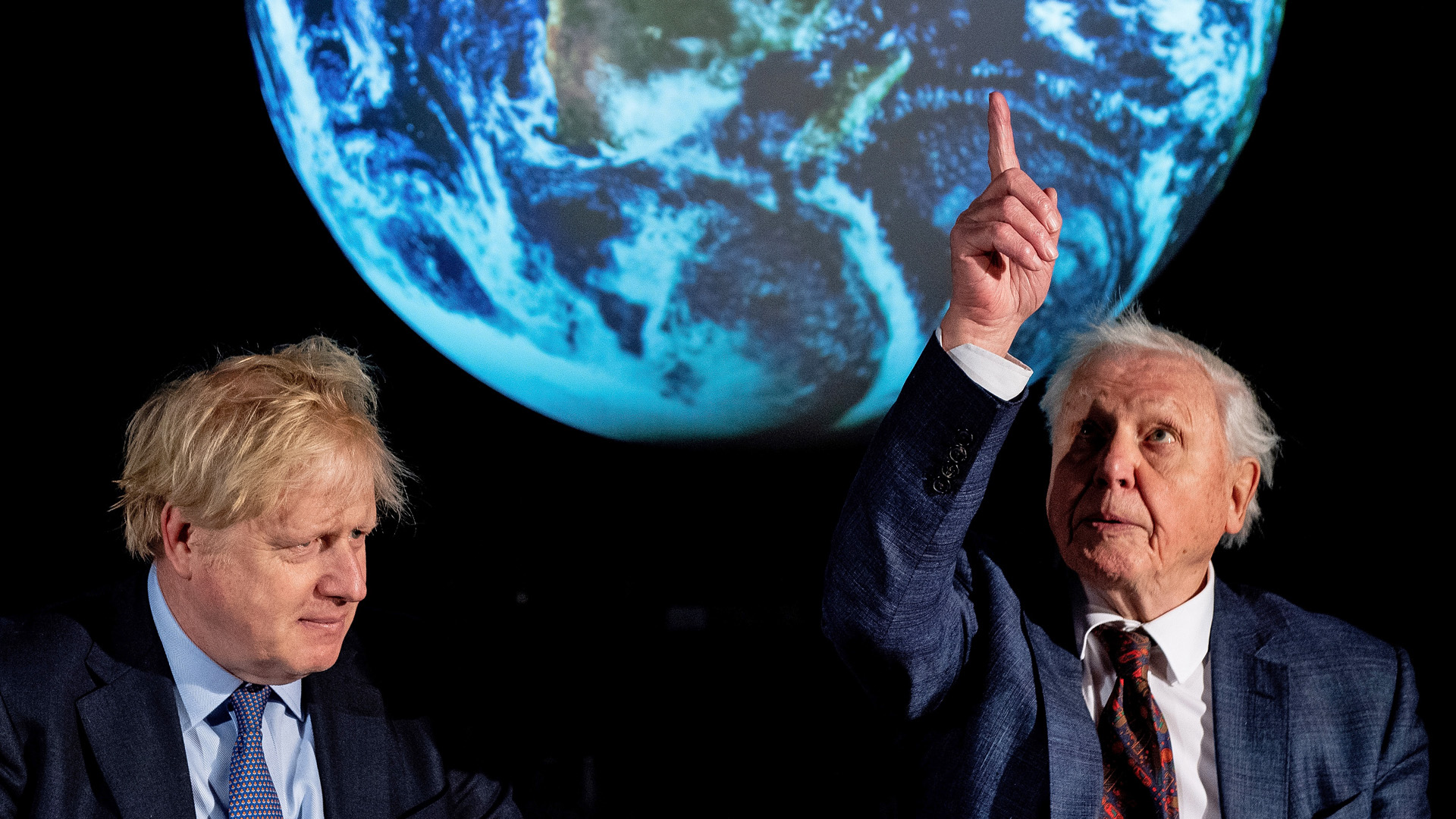 Ugye, Attenborough-nak elhiszed, hogy baj van?