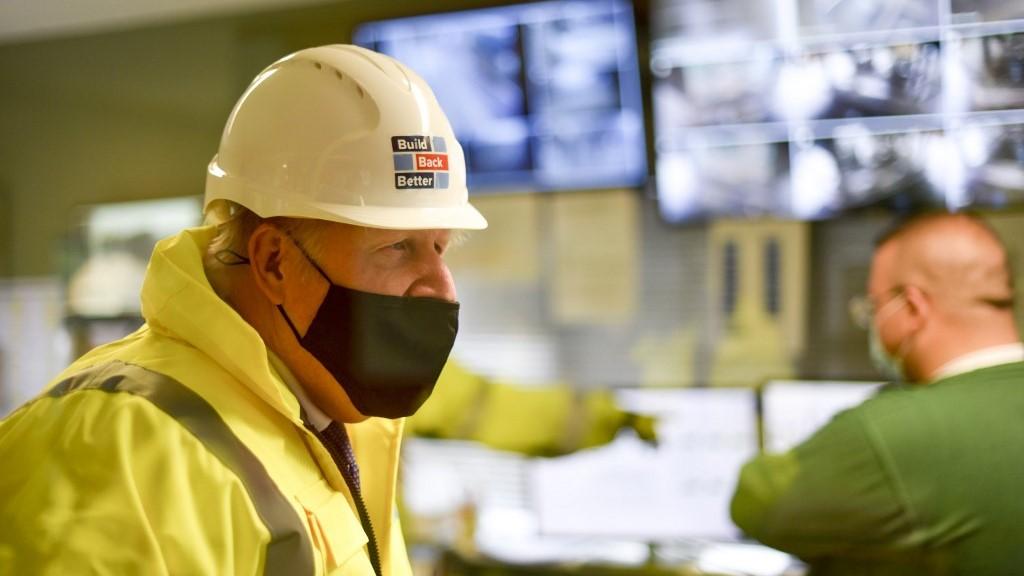 Több ezer koronavírusos eset kimaradt a brit nyilvántartásból