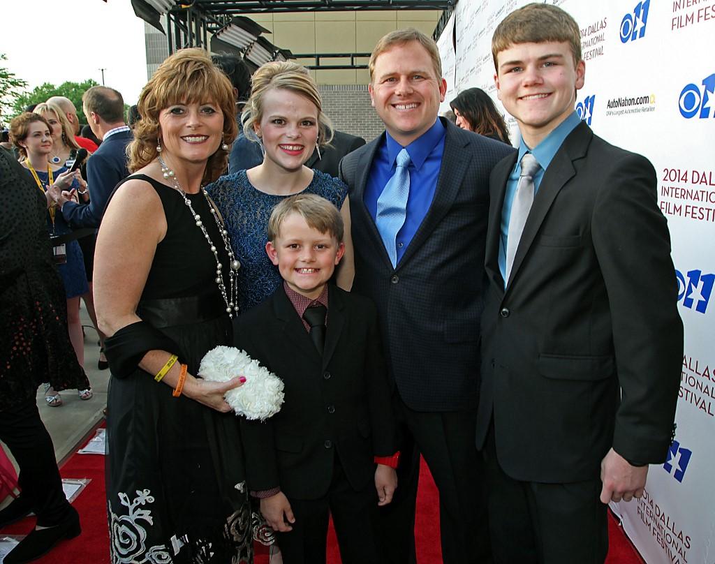 Colton Burpot és családja
