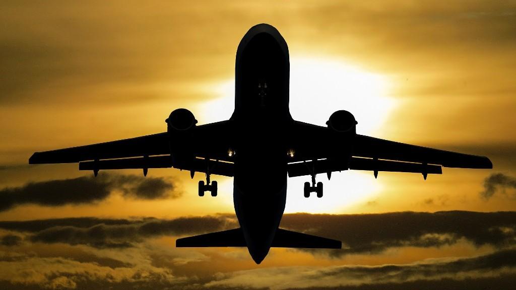 Repül és visszarepül (fotó: Pixabay)