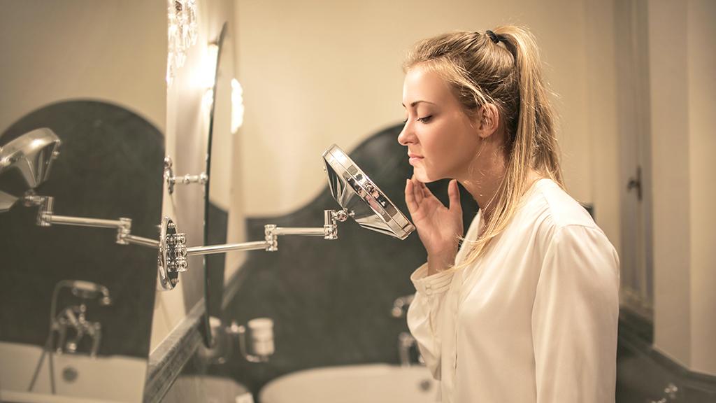 AAz azelainsav segítséget nyújt a pattanásos, mitesszeres bőr kezelésében.