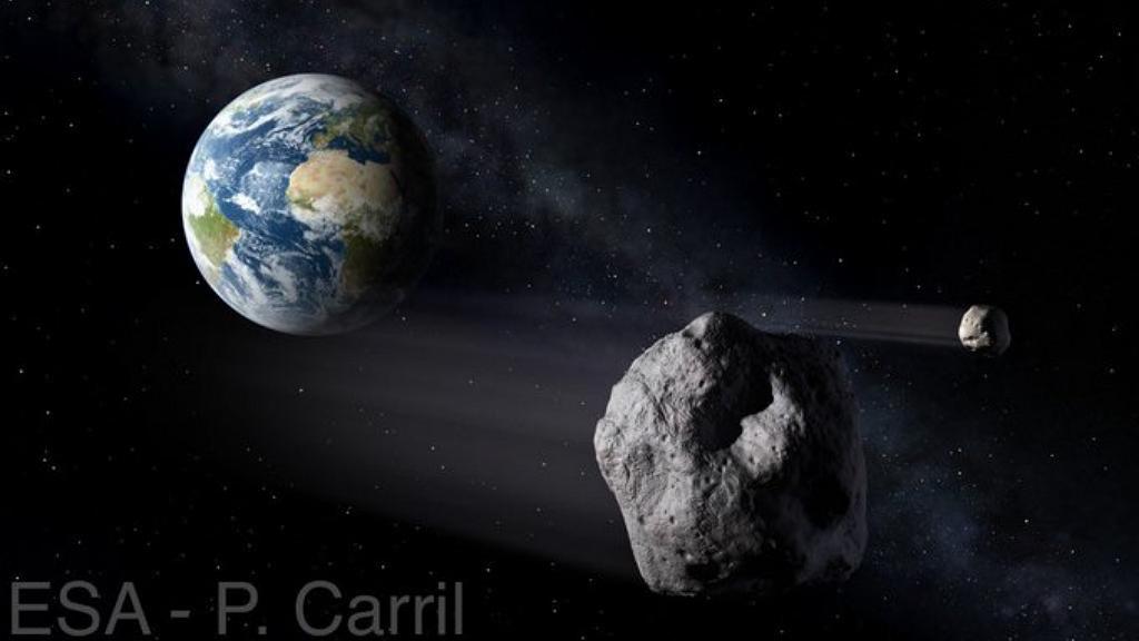 Aszteroida közelít a Föld felé
