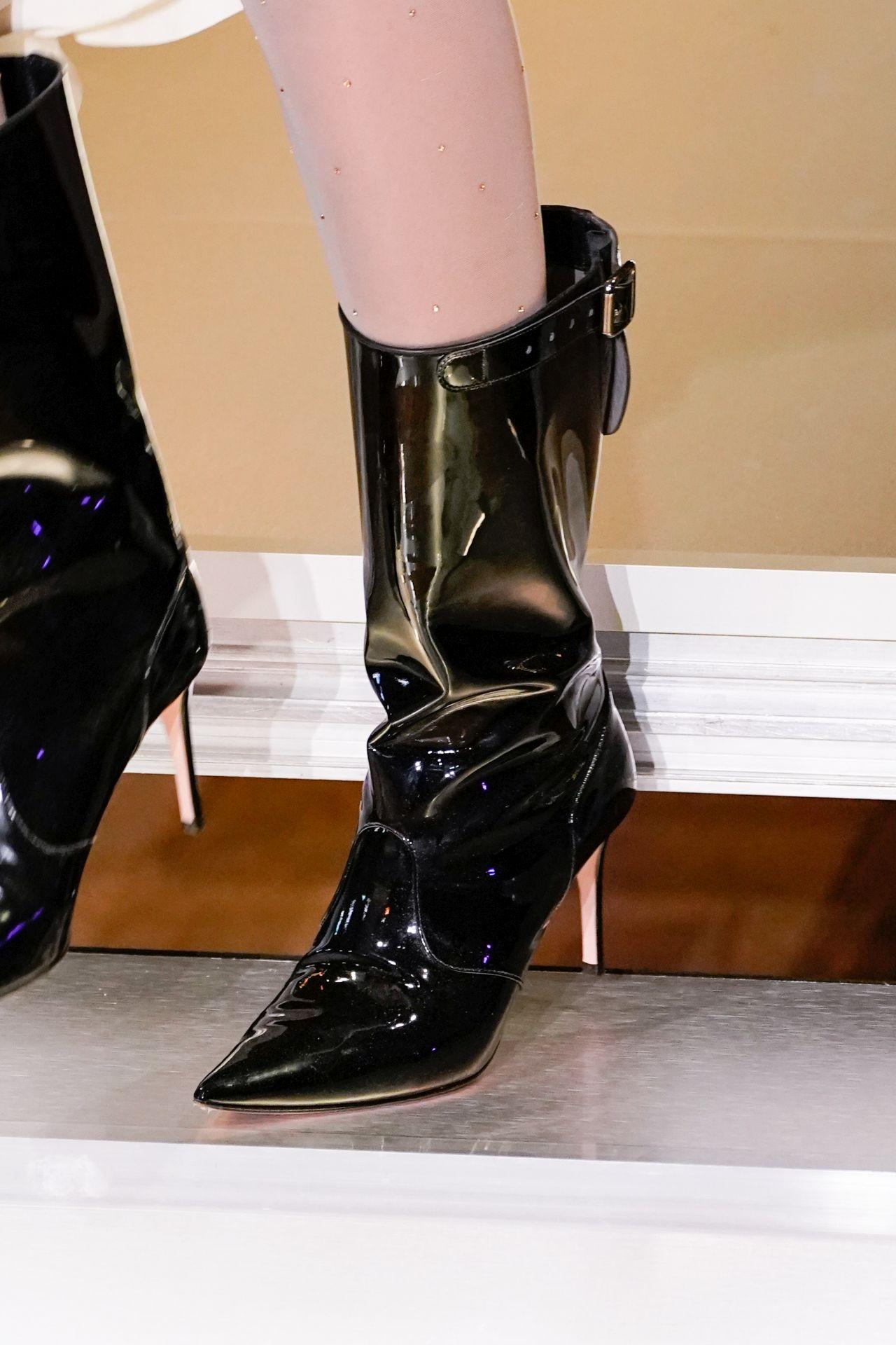 bokacsizma trend Vivienne Westwood