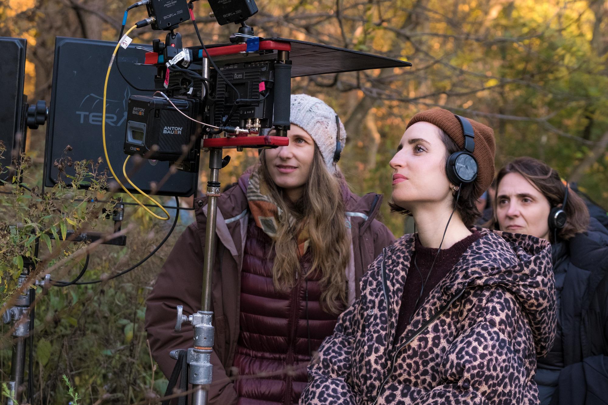 Zoe Lister-Jones a kamera mögött (fotó: InterCom)