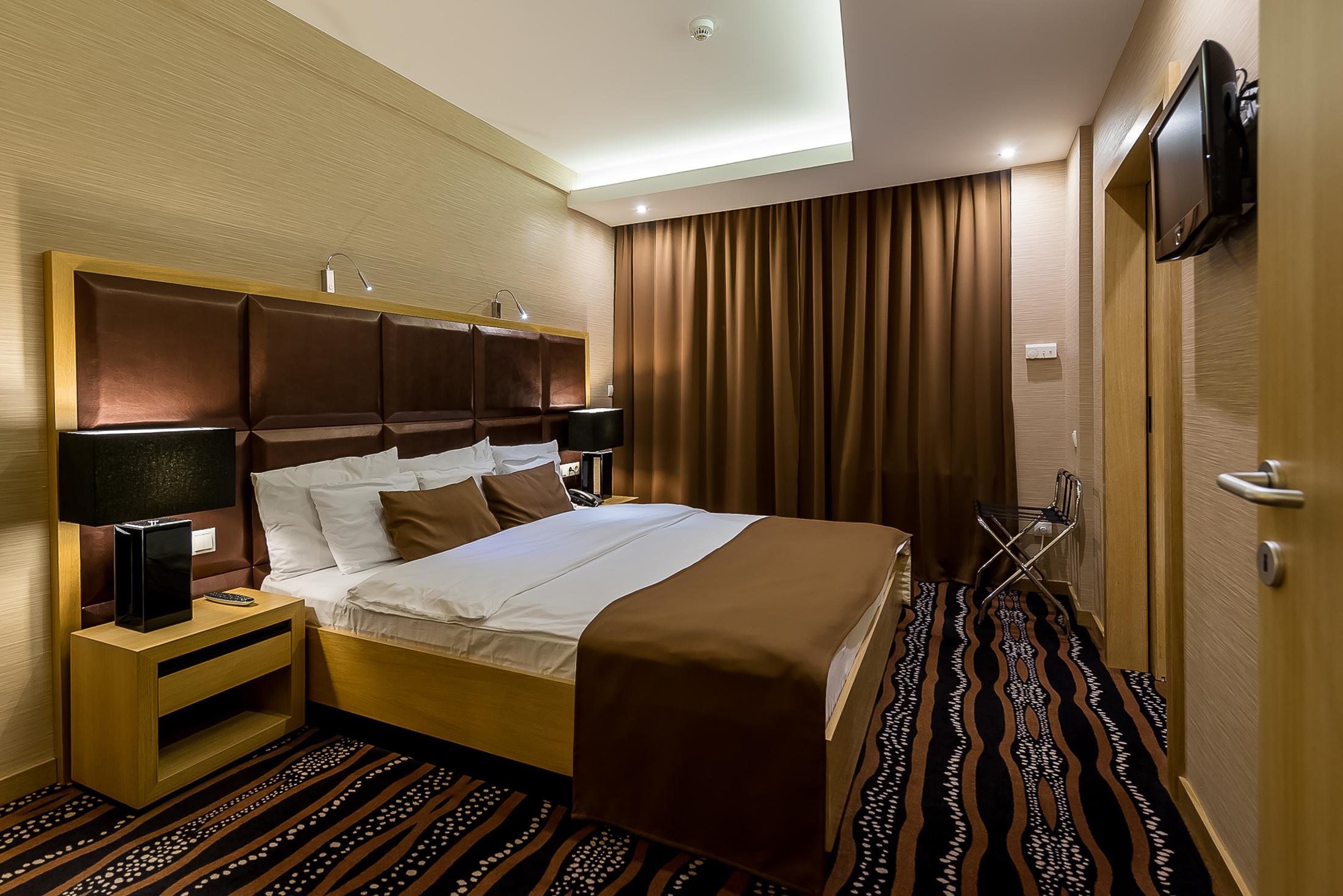 Covid útinapló: a Debreceni Aquaticum Hotelben végre nem kellett paramaminak lenni (x)