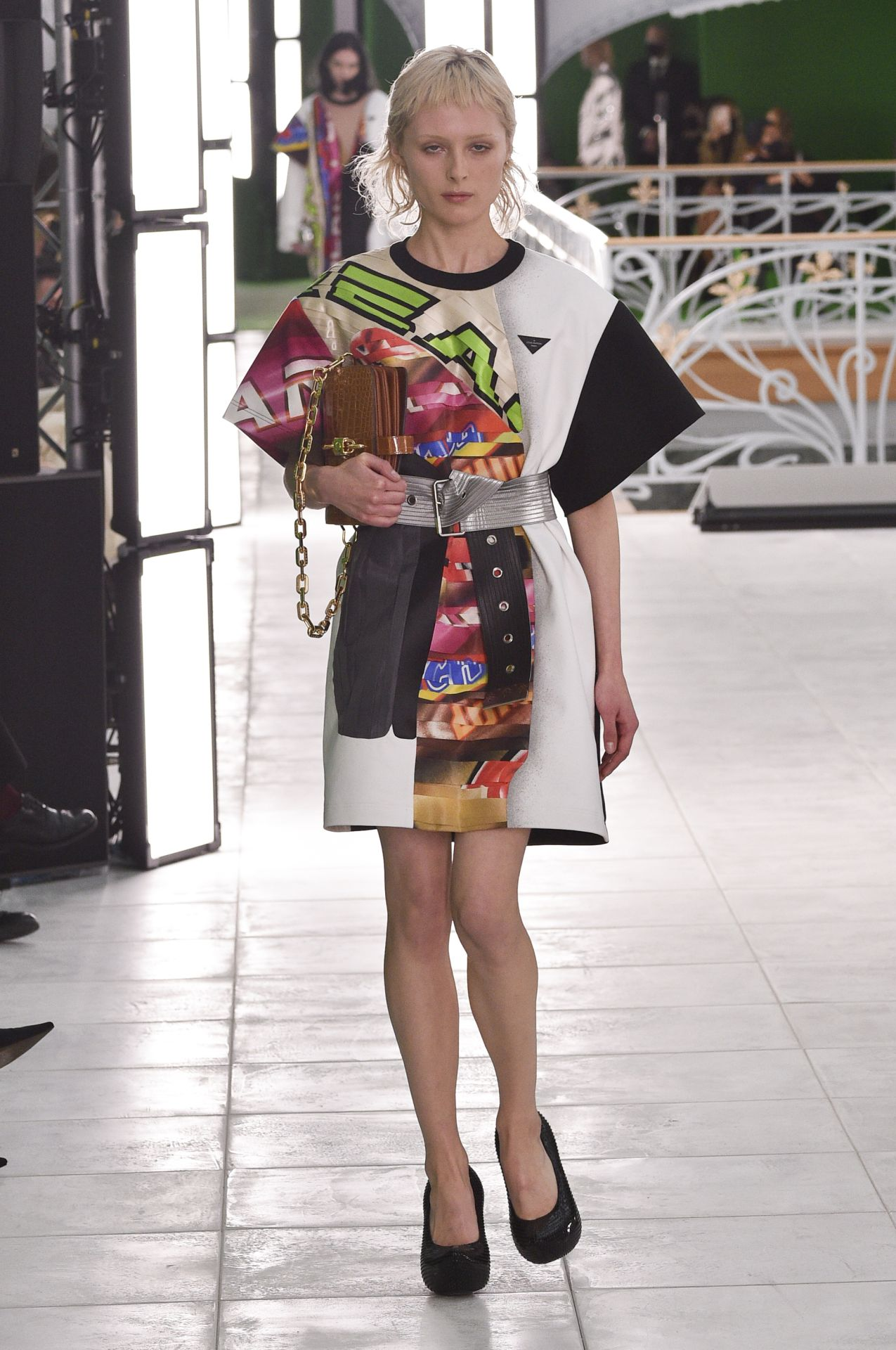 élénk mintás ruha Louis Vuitton