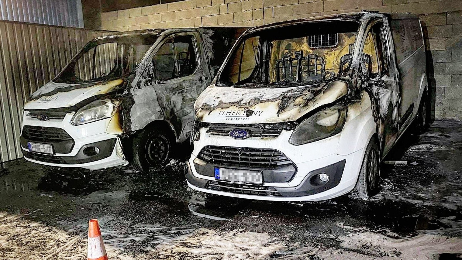Felgyújtott halottaskocsik Érden