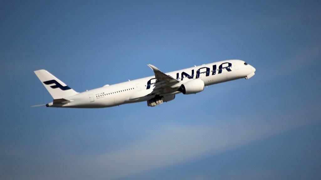 finnair gép a levegőben