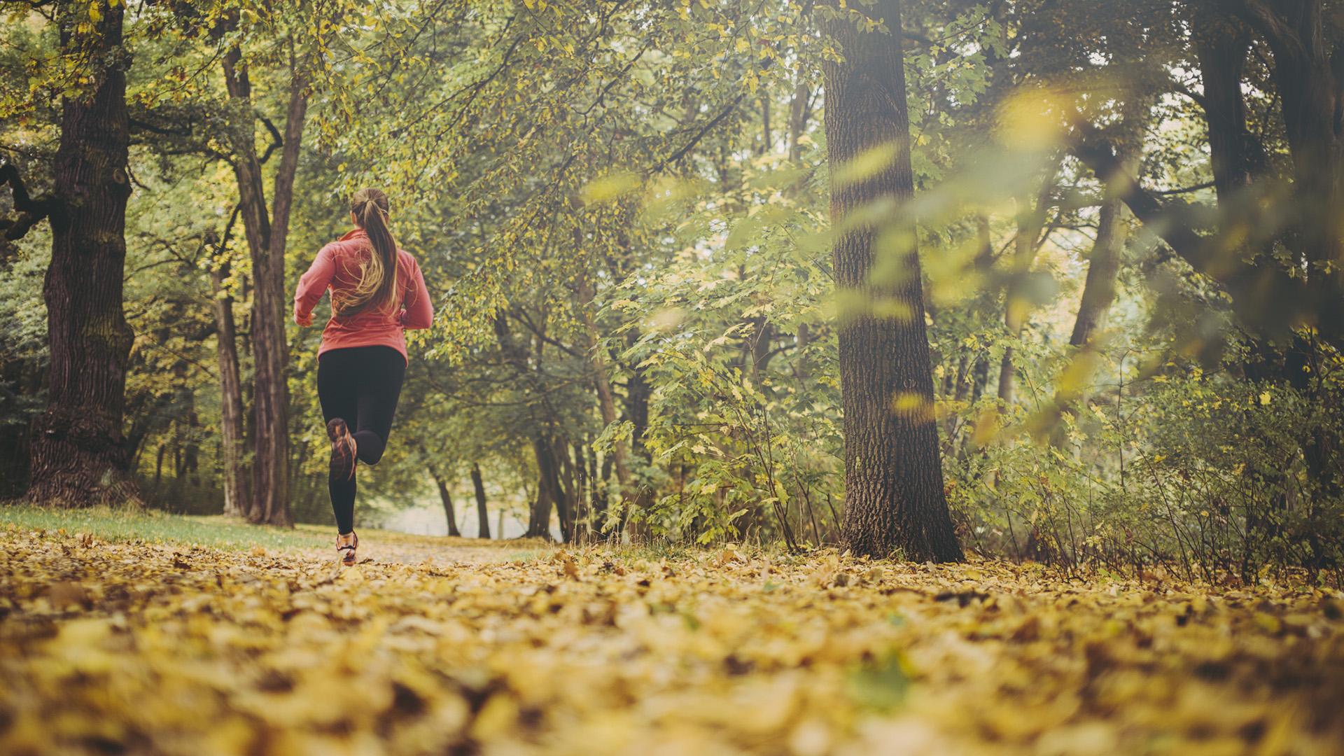 futó nő