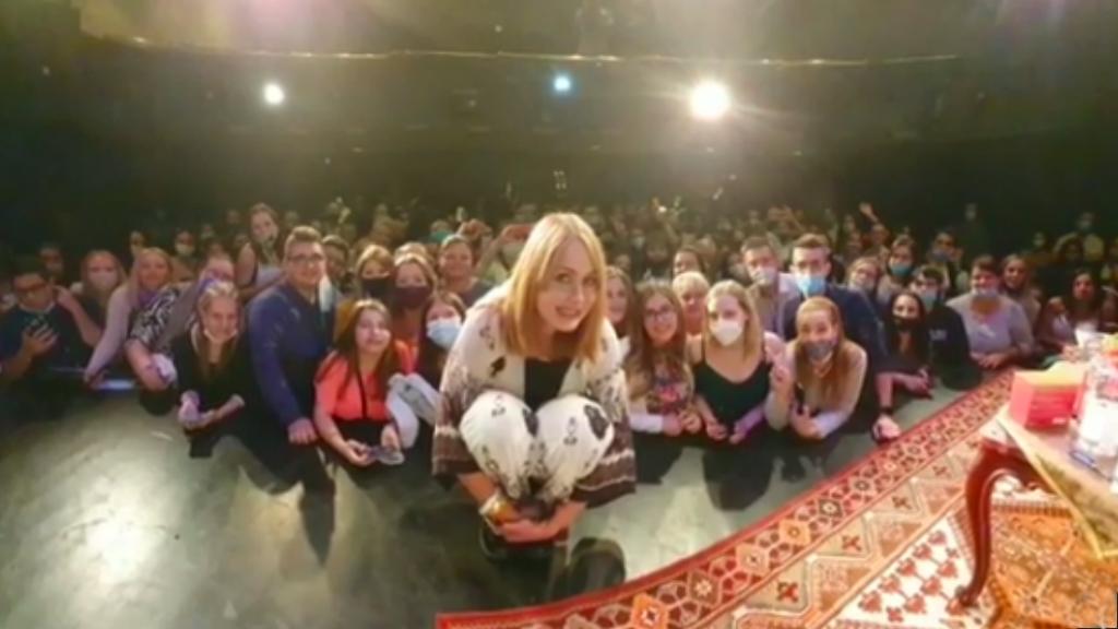 Gabriela Spanic magyar rajongókkal a Játékszínben