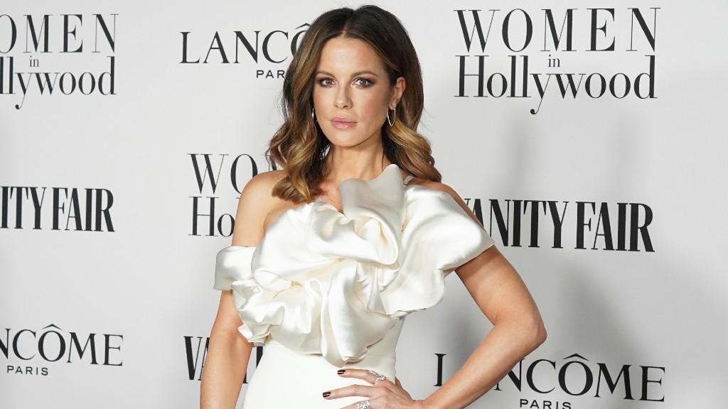 Kate Beckinsale februárban egy Vanity Fair parti vendégeként (fotó: Presley Ann/Getty Images)