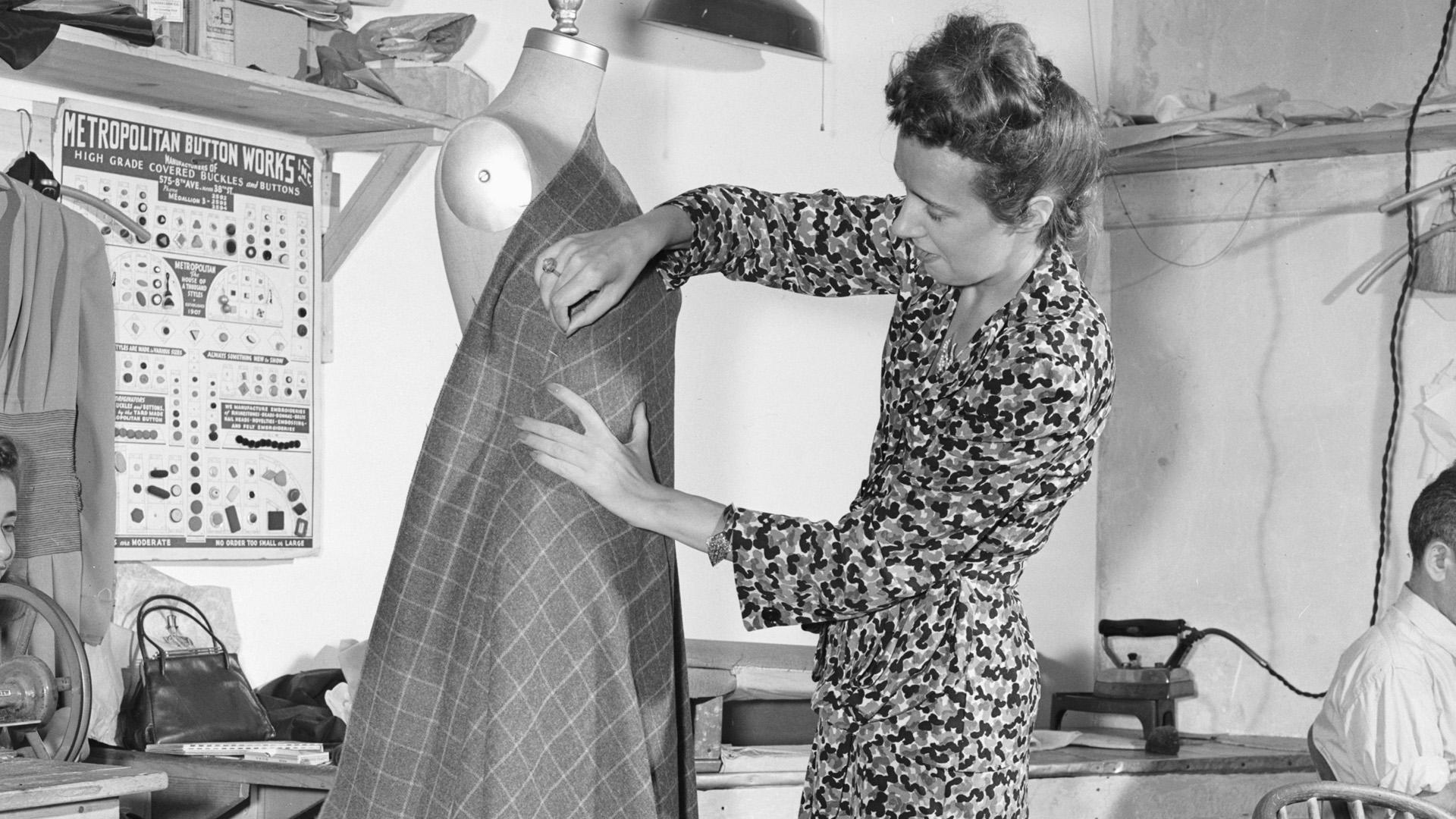 Tudod, ki volt az a dizájner, aki először tervezett átlapolós ruhát?
