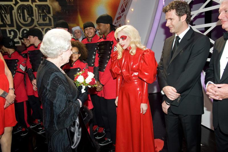 II. Erzsébet és Lady Gaga