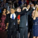 Barack Obama 2012-es újraválasztásának ünnepségén az elnök, Michelle Obama és férje, Joe Biden társaságában
