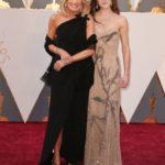 A 2016-os Oscar-gálára lányával, Ashley Bidennel érkezett.