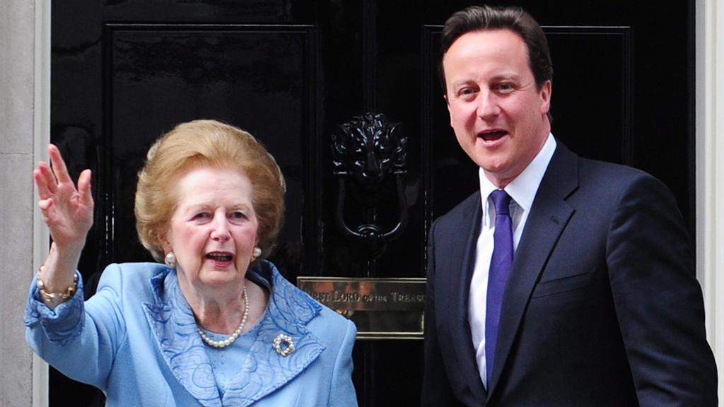 A 2013-ban elhunt Thatcher 2010. június 8-án David Cameron akkori brit miniszterelnökkel / Fotó: MTI/EPA/Facundo Arrizabalaga