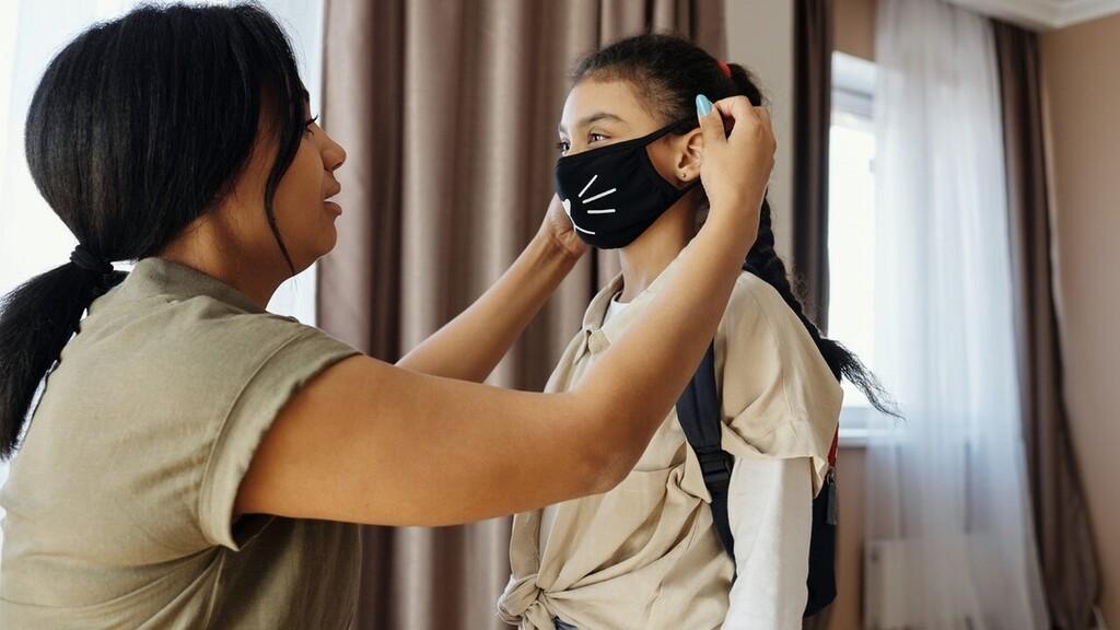 A maszk helyes viselésével már sokat tehetünk a koornavírus terjedése ellen (Fotó: Pexels.com)
