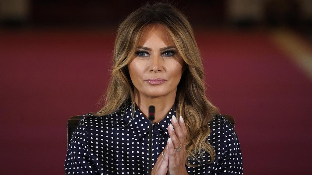 Trump pornós szeretője durván beszólt Melania Trumpnak