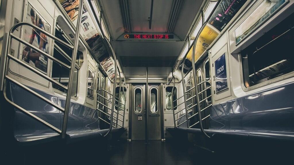 Vakvezető kutyákkal tesztelték az M3-as metrót