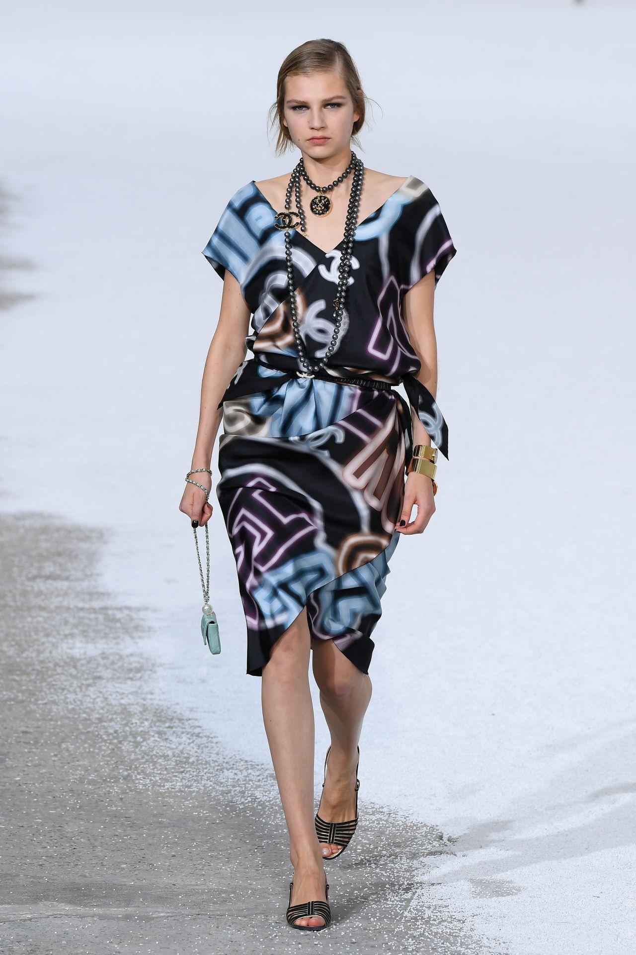 mosott mindtás ruha Chanel