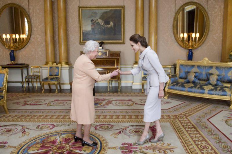 II. Erzsébet és Angelina Jolie