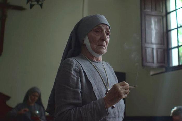II. Erzsébet anyósa apácaruhában járt és rengeteget dohányzott