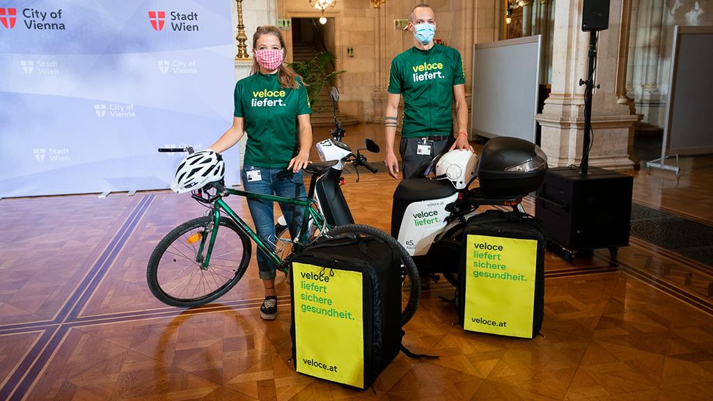 Bécsben biciklis futár viszi házhoz az ingyenes koronavírus-tesztet