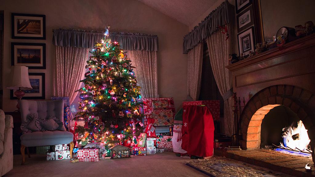 Botrányt okozott a szeptemberben felállított karácsonyfa