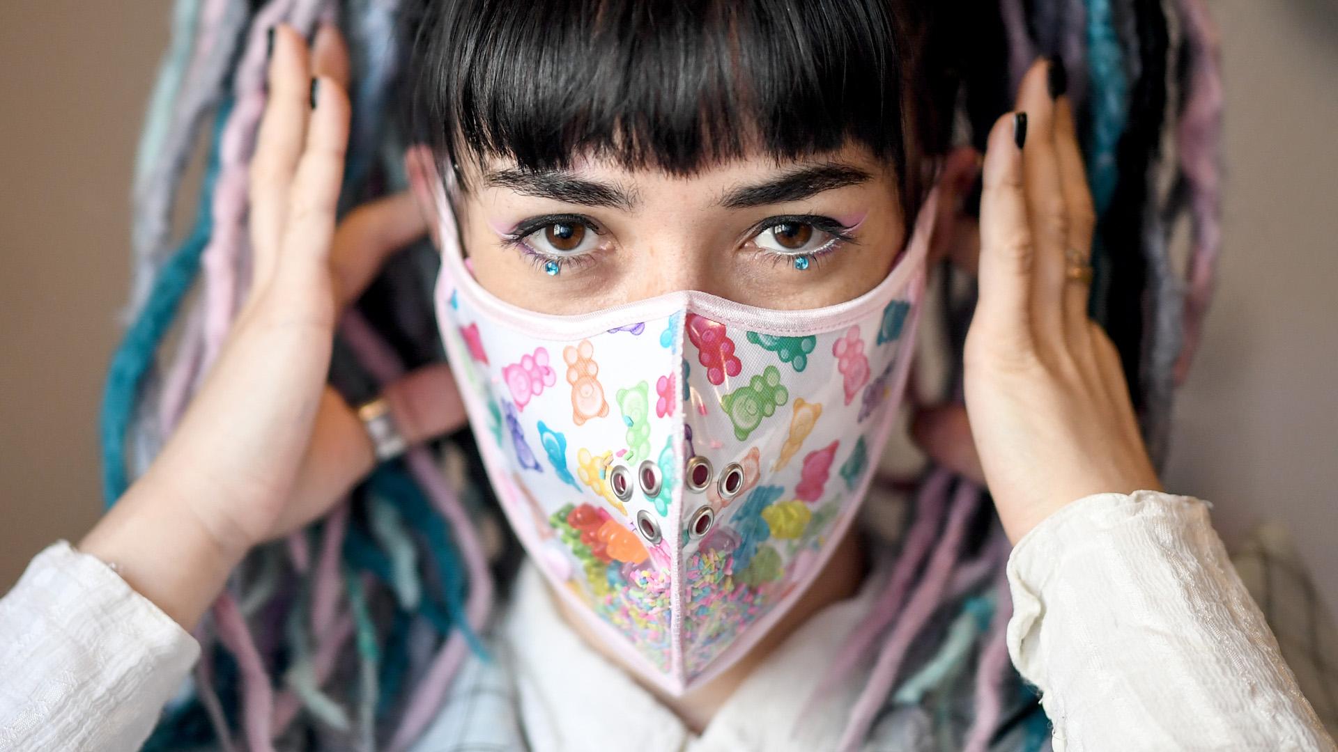 Így került a maszk az arcunkra