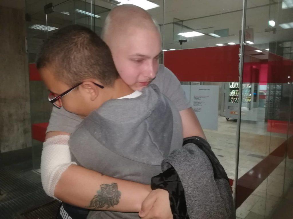 Kistestvérének köszönheti életét a leukémiás fiú