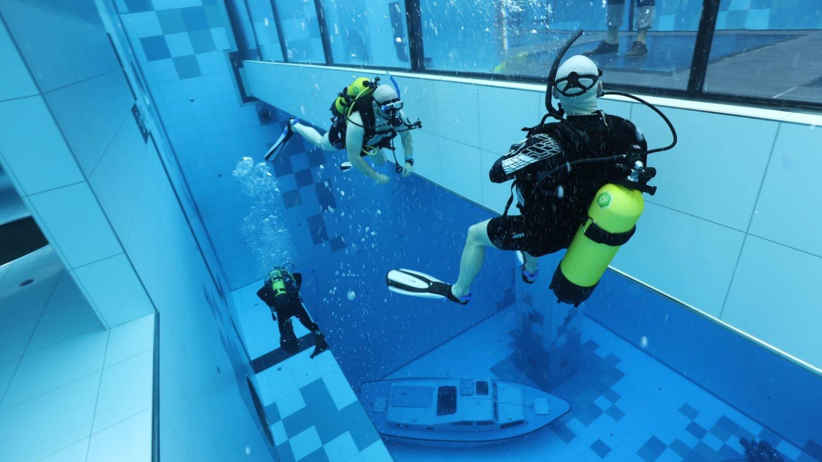 Deepspot, a világ legmélyebb úszómedencéje