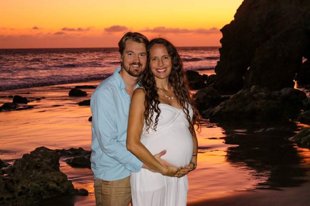 Mason Gamble és várandós párja