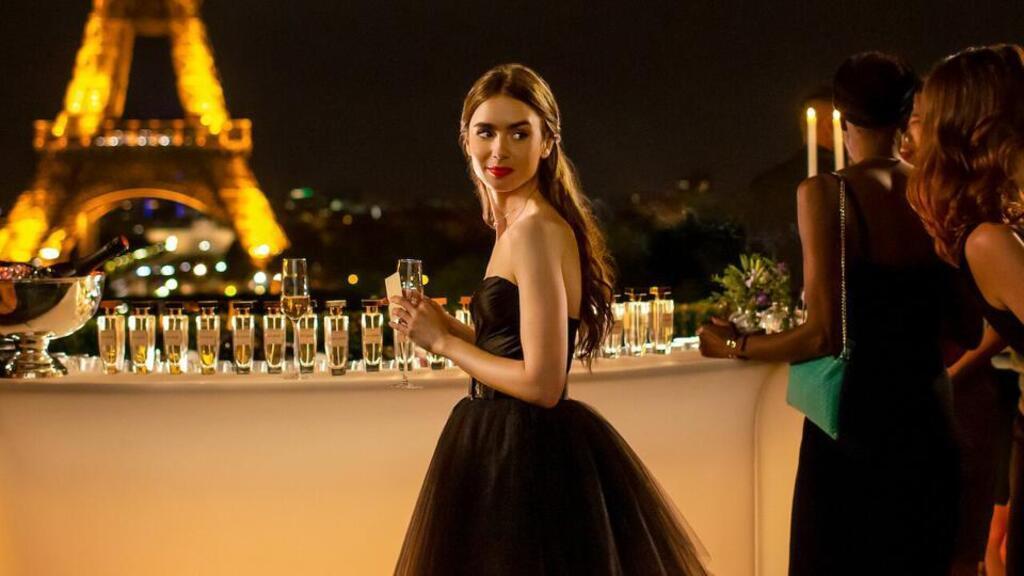 Megerősítette a Netflix: jön az Emily Párizsban második évada