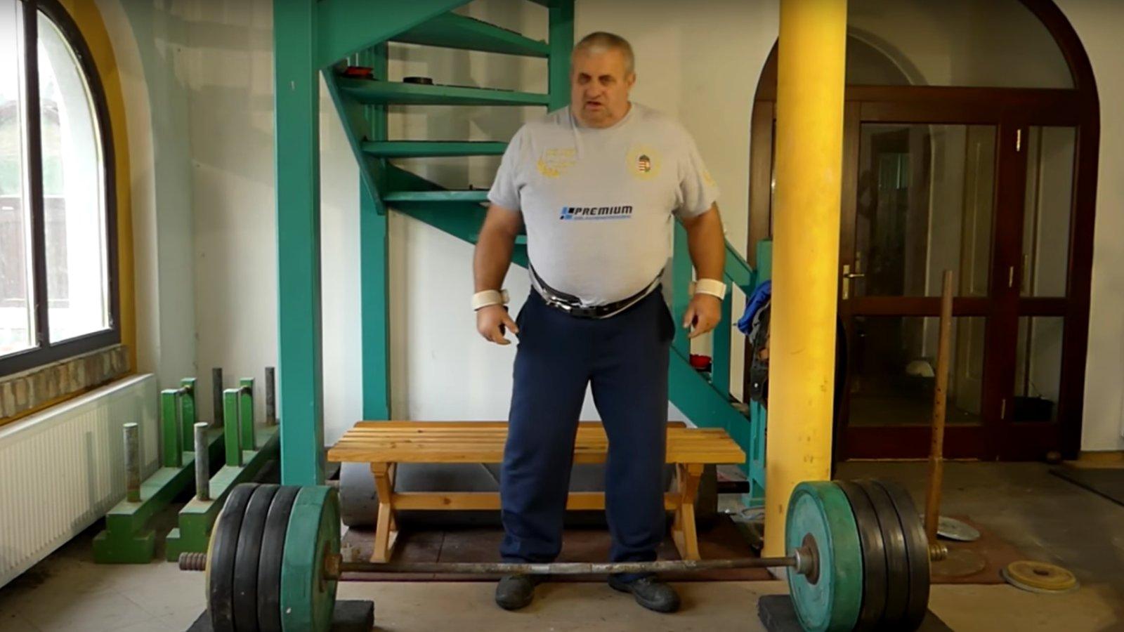 Fekete László 290 kilót emel