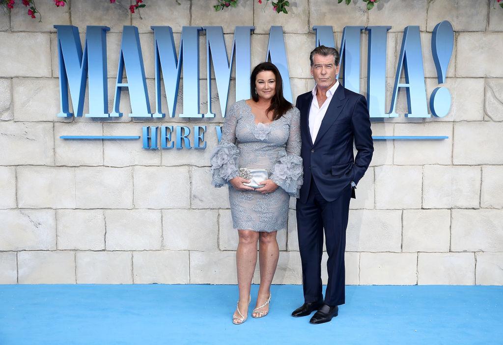 Keely Shaye Smith, és Peirce Brosnan a MAmmai Mia 2. premierjén 018-ban