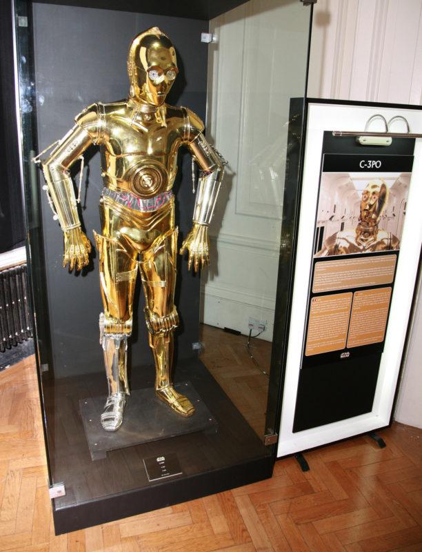 A Star Wars hivatalos fotósának sem tűnt fel az ezüst robotláb