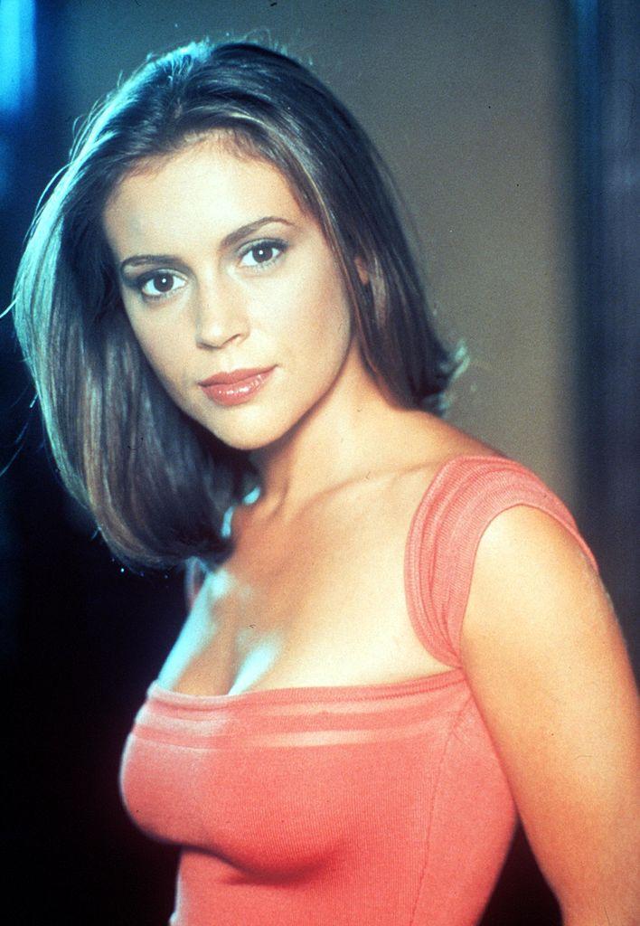 Alyssa Milano a Bűbájos boszorkák idején 1999-ben