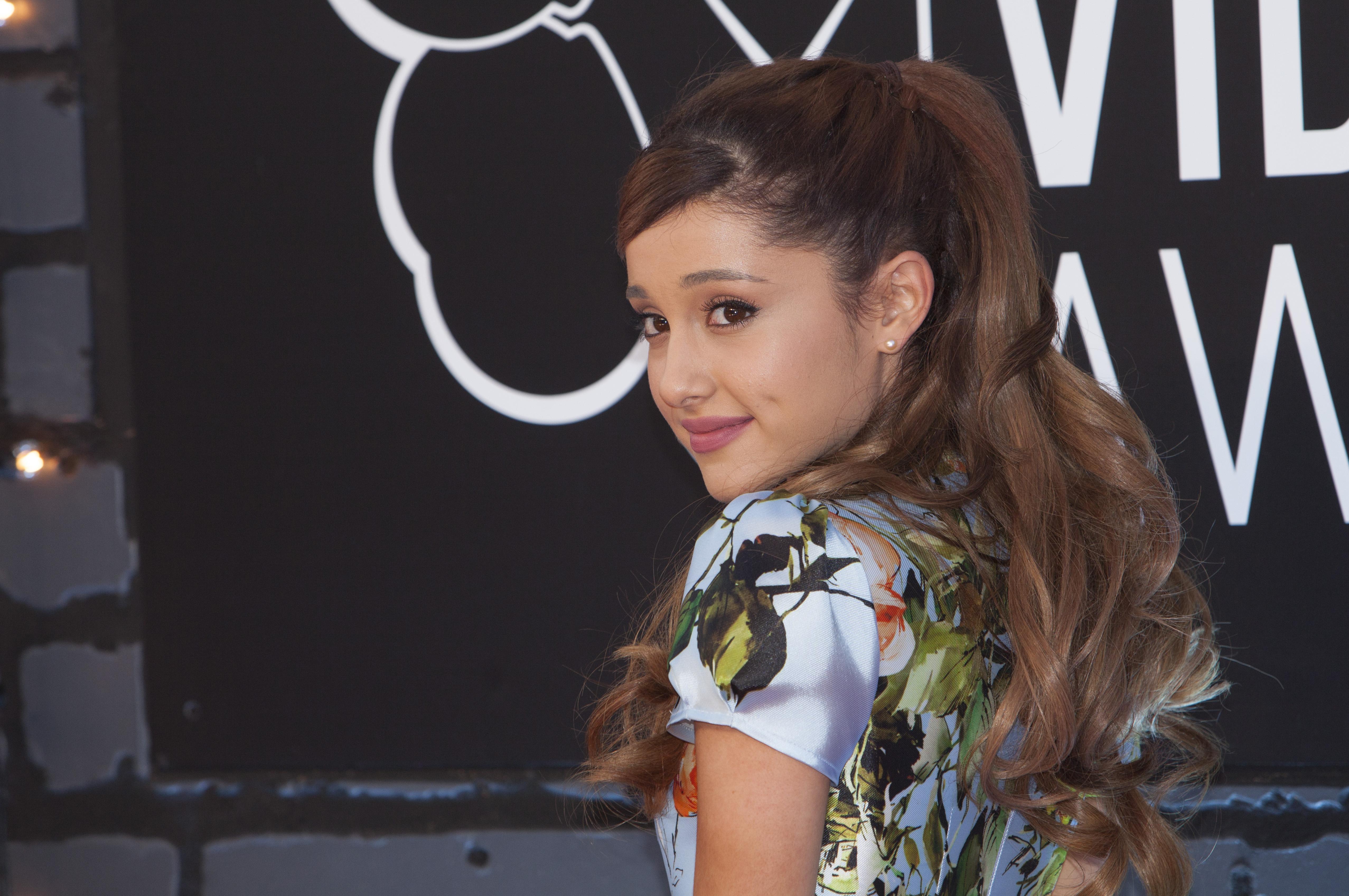 Ariana Grande kislányként