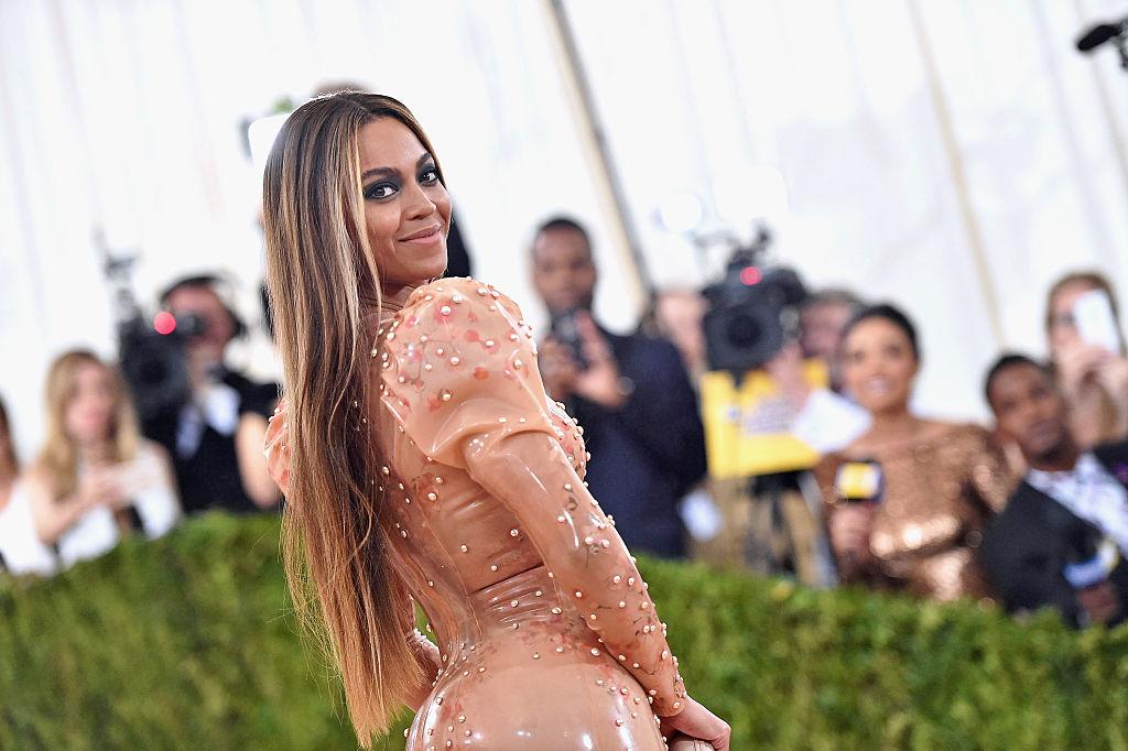 Beyonce a Metropolitan Museum 2016-os divatgáláján.