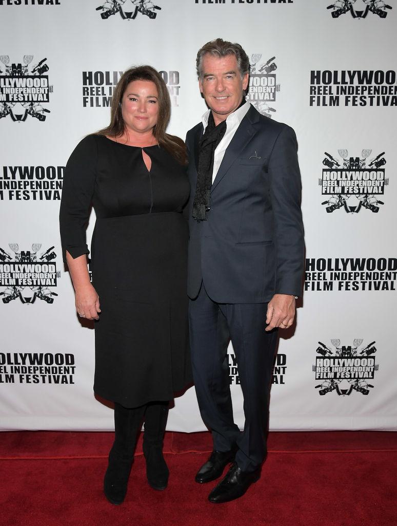 Pierce Brosnan felesége mindig az alkalomhoz illően öltözik