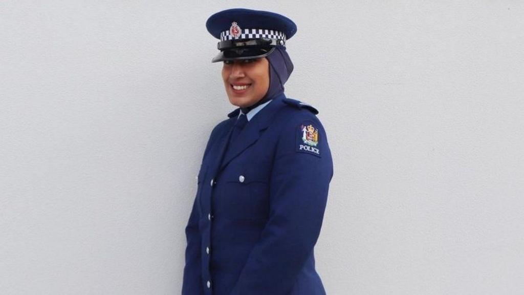 hidzsábos rendőrnő Új-Zélandon