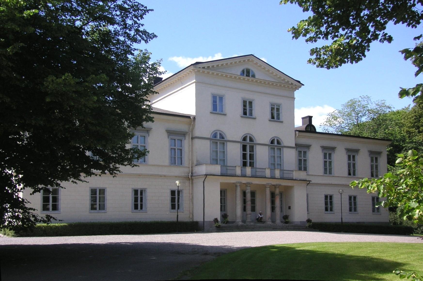 A Haga palota, a svéd hercegi család otthona