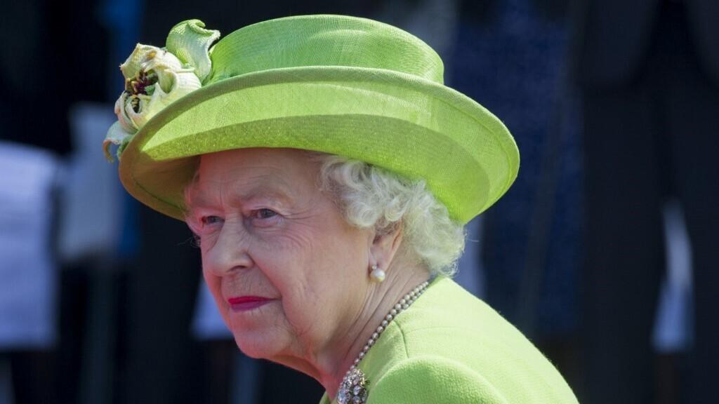 Elmegyógyintézetben élt II. Erzsébet királynő két unokanővére