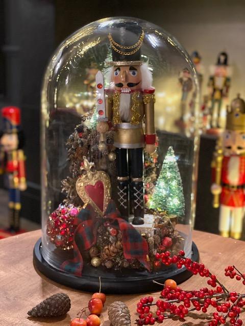 Karácsonyi dekoráció üvegből