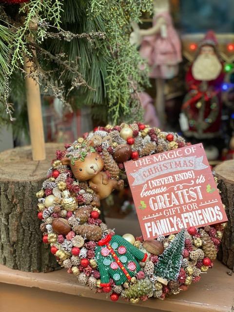Mackós karácsonyi dekoráció