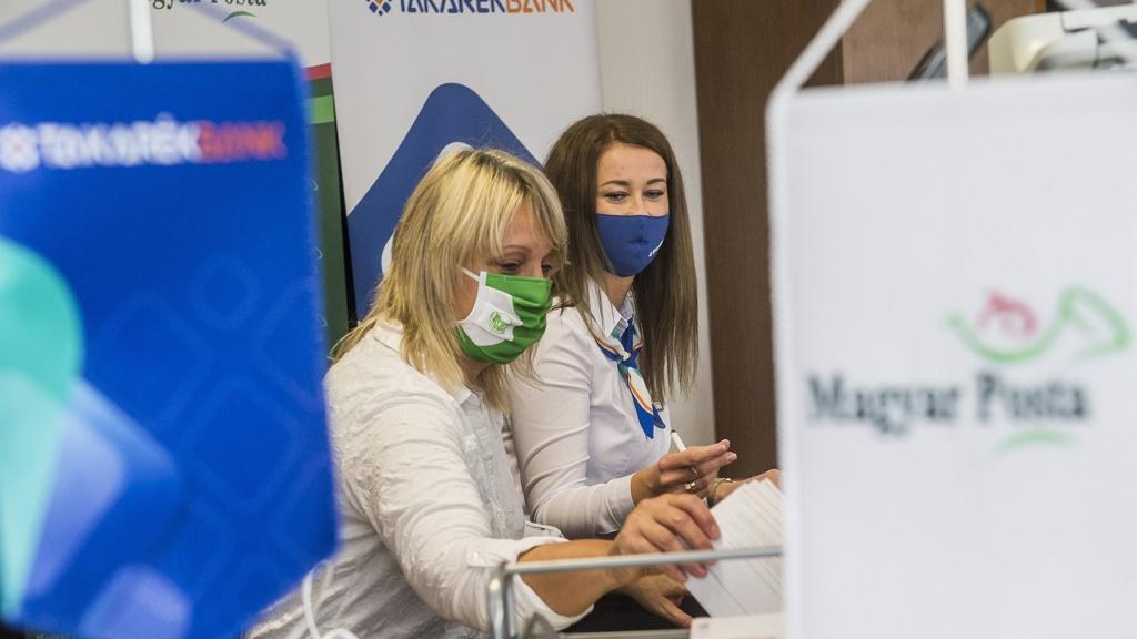 Járványügyi intézkedéseket vezetnek be megint a Magyar Postán.