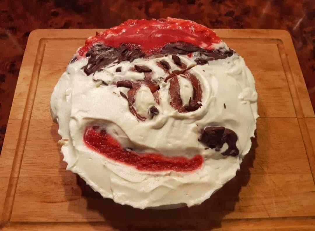 """A """"Niki Nausz"""" torta hasít a neten"""